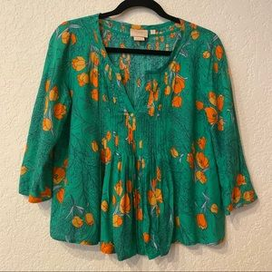 Anthro   Vanessa Virginia Green Floral Pleated Top